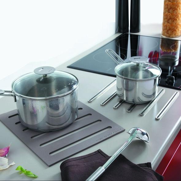 repose casserole design dessous de plat 2 en 1 en silicone pour plan de travail sokleo oskab. Black Bedroom Furniture Sets. Home Design Ideas
